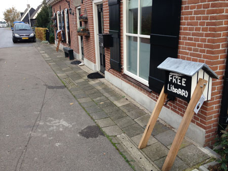 'Free Library' ook in Papendrecht