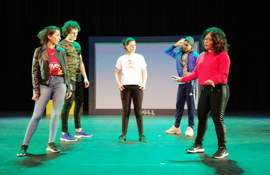 Musical 'Lucky Girls' op Willem de Zwijger College